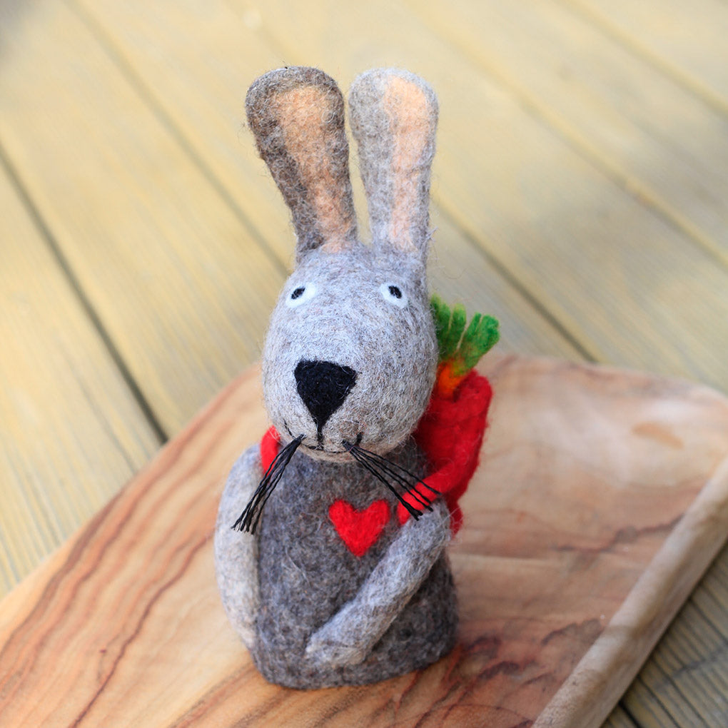 Papoose Hollow Easter Bunny With Backpack and Carrots
