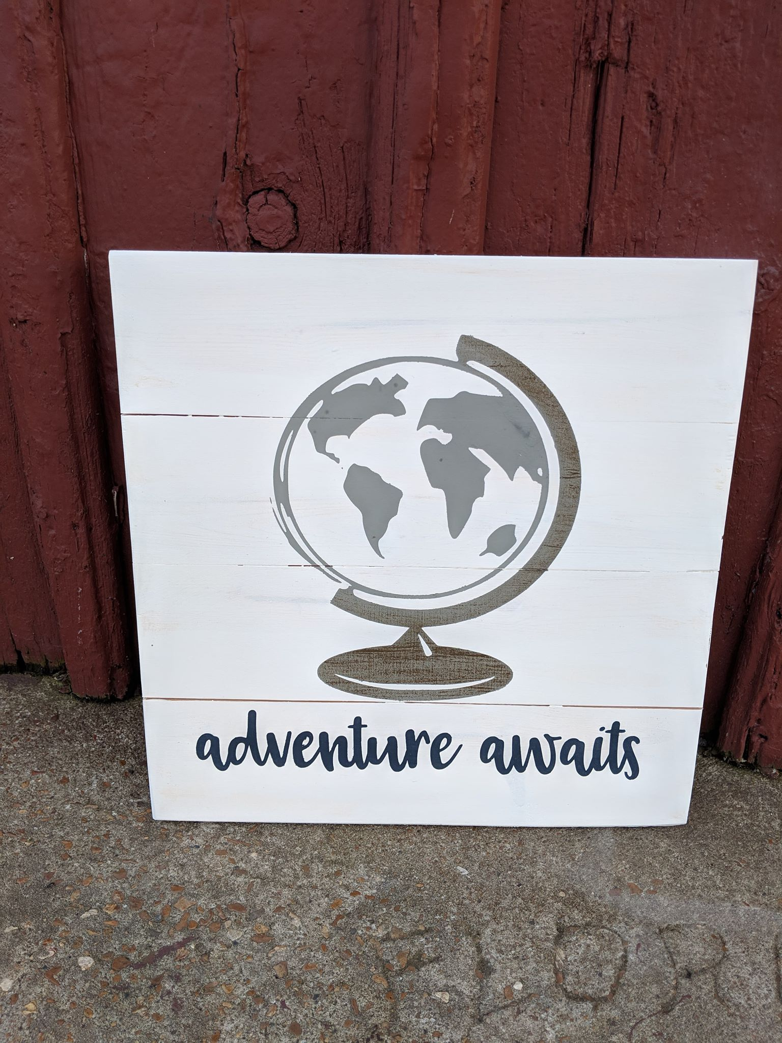 Globe-Adventure awaits