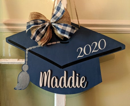 Door hanger Graduation hat with name