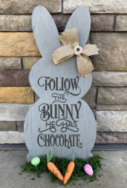 Spring Connection Easter Bunny - Follow the bunny he has chocolate