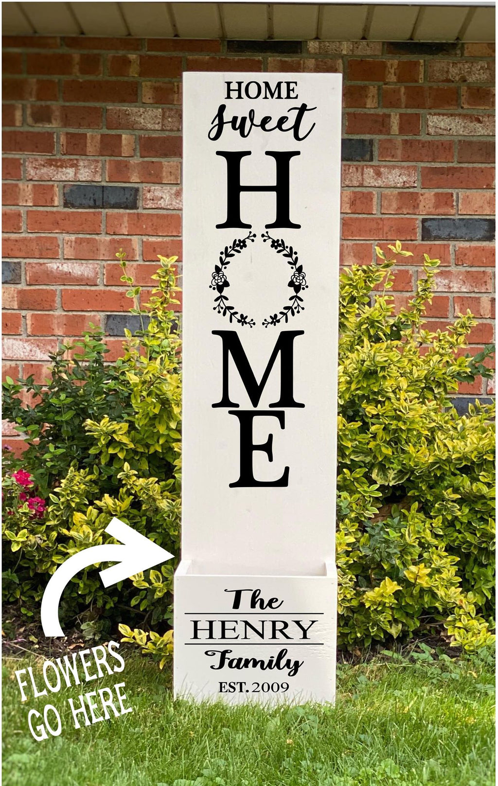 Porch Planter - Home sweet home with Wreath and Family name