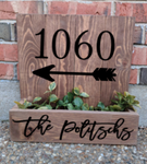 14x14 Planter Box - House number with family name and arrow