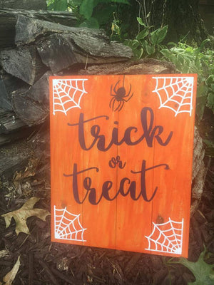 Trick or treat-spider and web