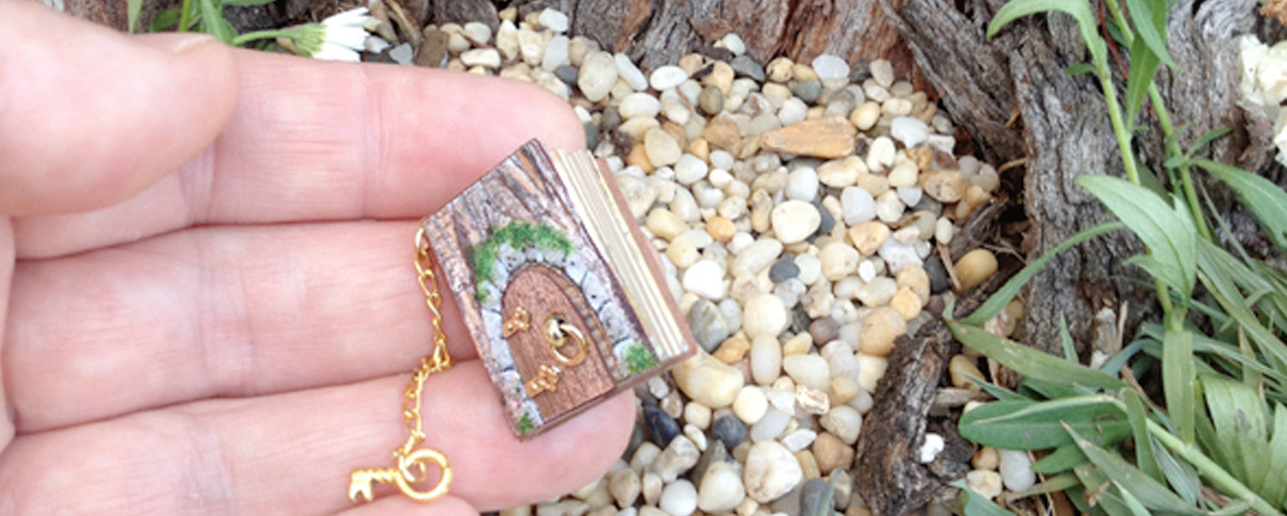 Fairy Door 1:12 scale miniature book by Michelles Miniatures