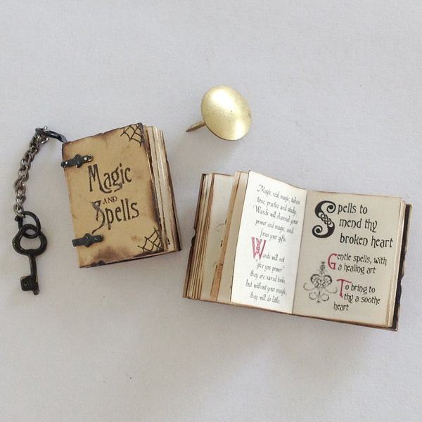 Magic and Spells Book (Aged plus keychain)