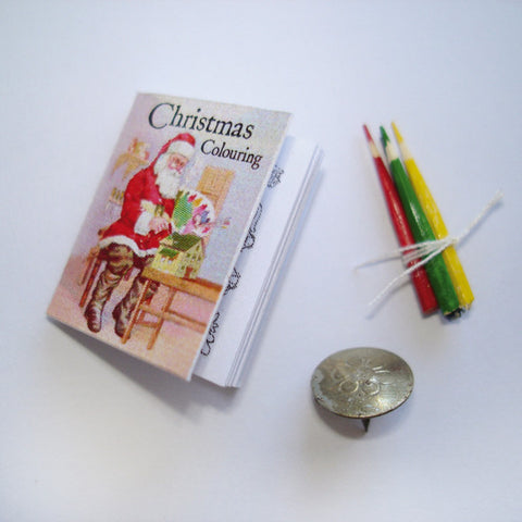 Christmas - Colouring Book (with 4 mock pencils)