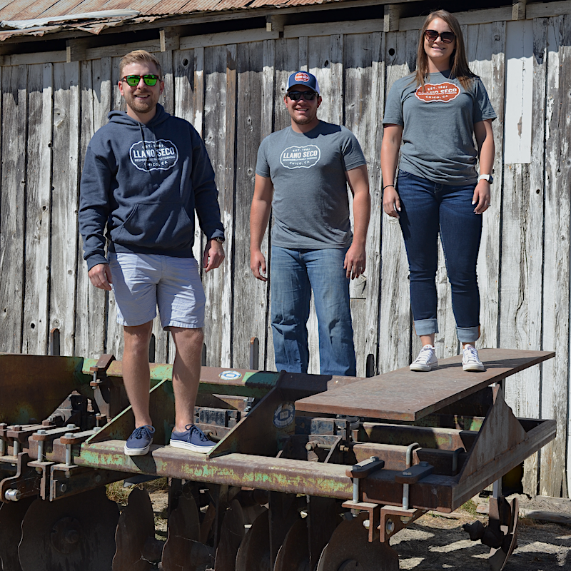 Order our classic cozy branded Rancho Llano Seco tees, sweatshirts and hats for men and women. Shop Llano Seco farm gear gifts.