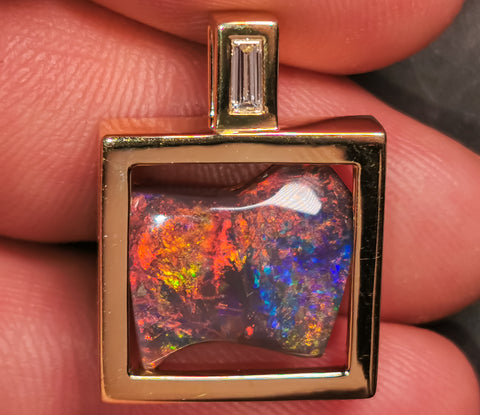 Black Opal 18k solid Yellow Gold Pendant BOPA68281119