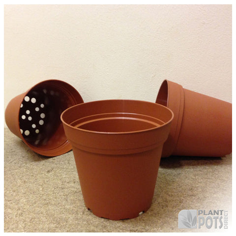 10cm Round plant pot (injection moulded)