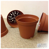 11cm Round plant pot (injection moulded)