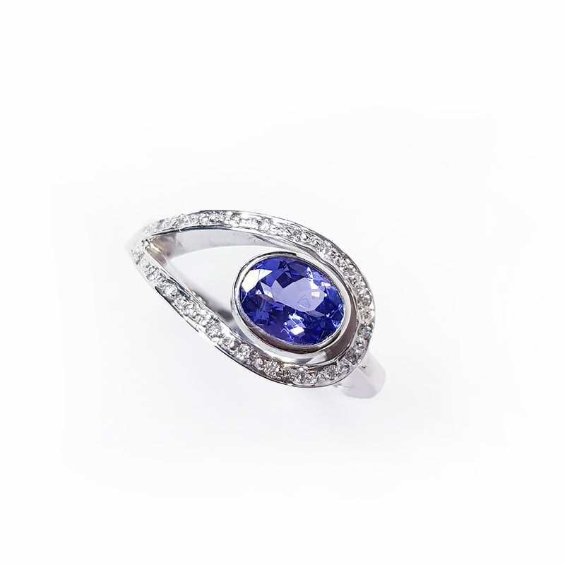 Tanzanite & Diamond White Gold Ring
