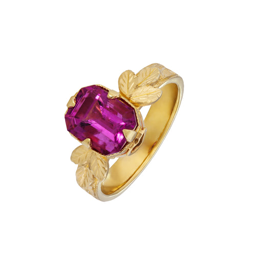 Rubellite 3.05 Carat & 18kt Yellow Gold Ring