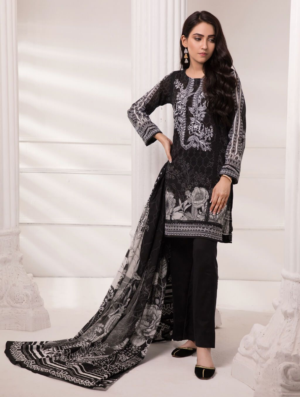 FLORAL DEW KL-4085 Black & White FASUNSLAD