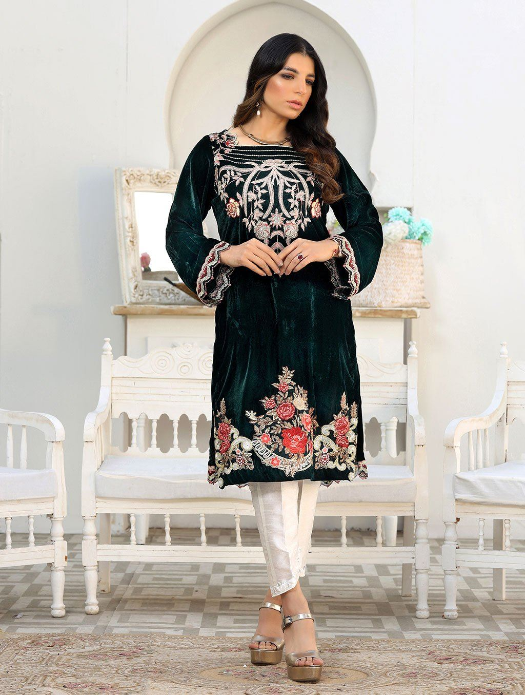 Luxury Embroidered Velvet Pret Kurti ER-149 Luxury Pret FASSTILAD S