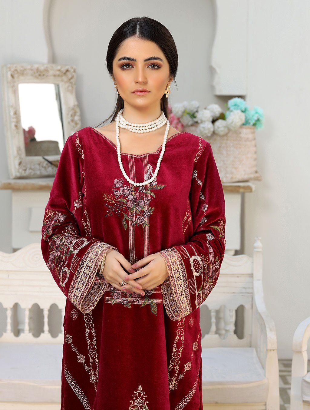 Luxury Embroidered Velvet Pret Kurti ER-150 Luxury Pret FASSTILAD L