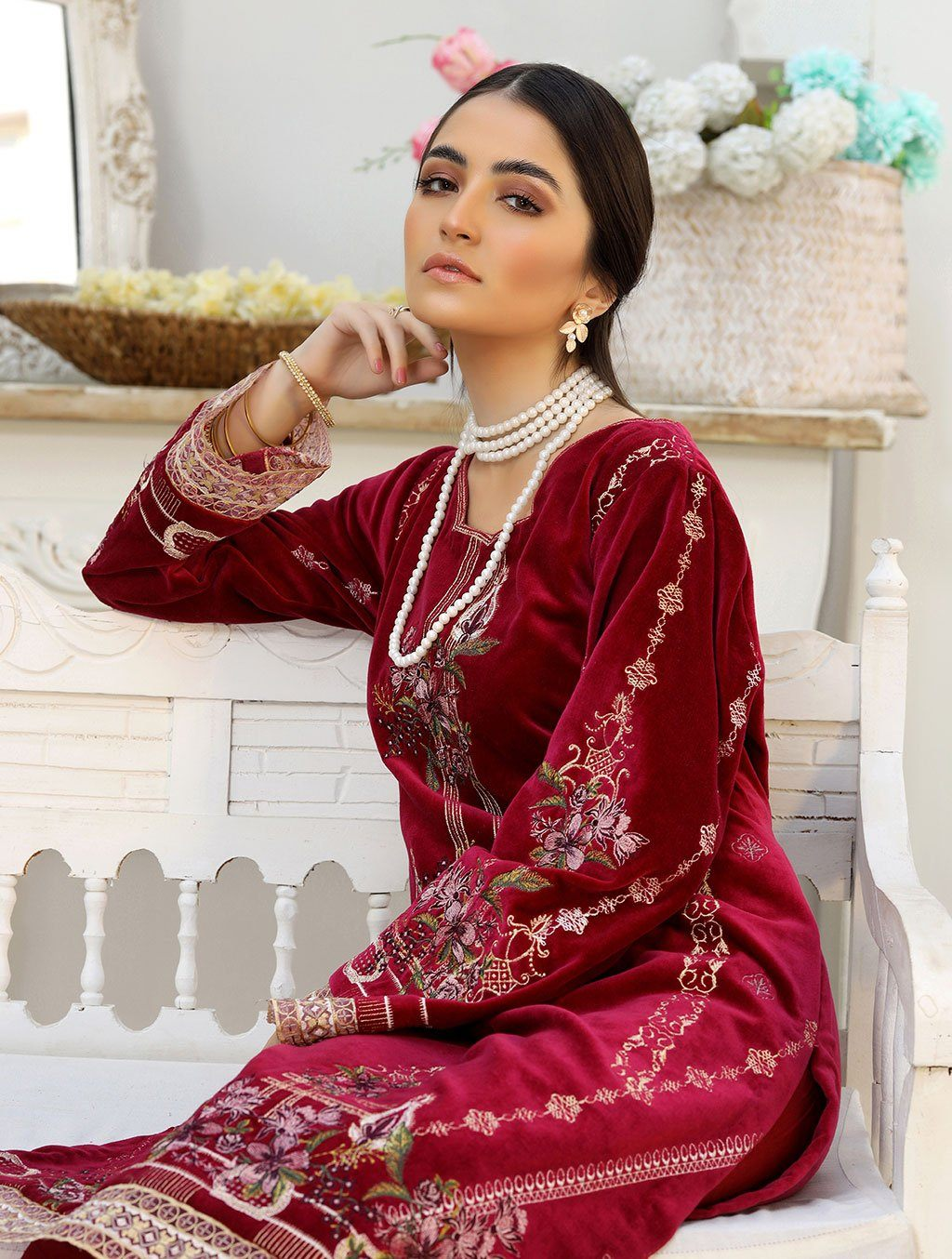 Luxury Embroidered Velvet Pret Kurti ER-150 Luxury Pret FASSTILAD M