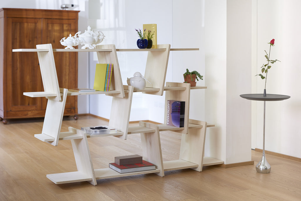 ITALIC SHELF by Ronen Kadushin,Facile da montare con piani orizzontali e verticali da assemblare in libertà./ Easy to assemble with horizontal and vertical tops to be assembled freely.