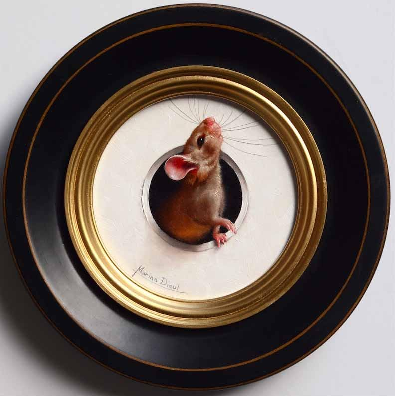 "Marina Dieul - 'La Curieuse' - oil on panel - 10.2cm diameter (4"" diameter)"