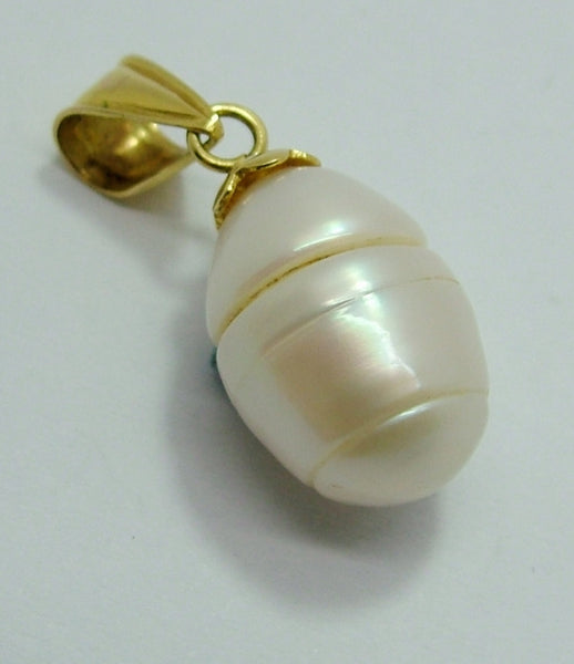 Large 1970's 14ct 14k Gold Ribbed Pearl Pendant or Charm Gold Charm - Sandy's Vintage Charms