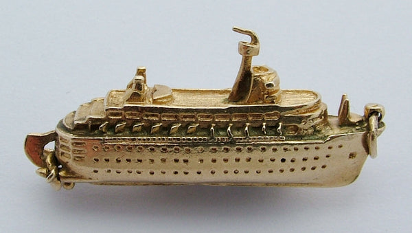 Very Large 1970's 9ct Gold Ocean Liner Ship Charm Rotating Propellers Gold Charm - Sandy's Vintage Charms