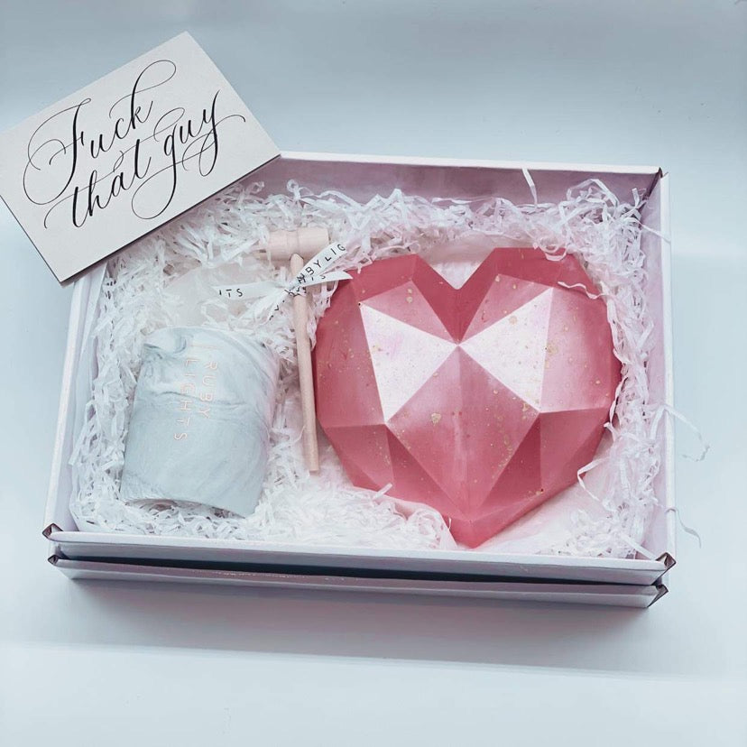 BREAK UP GIFT BOX