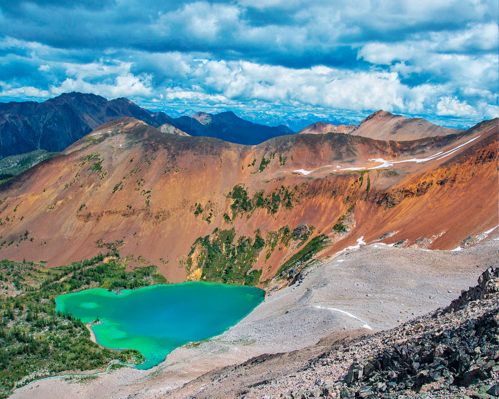photographer viktoria photo of blue water lake in purcell mountains in BC