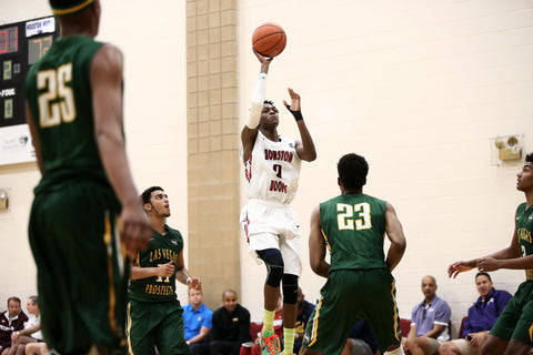 De'Aaron Fox lead Houston Hoops at Peach Jam as one of the fastest and most dynamic point guards in the game.