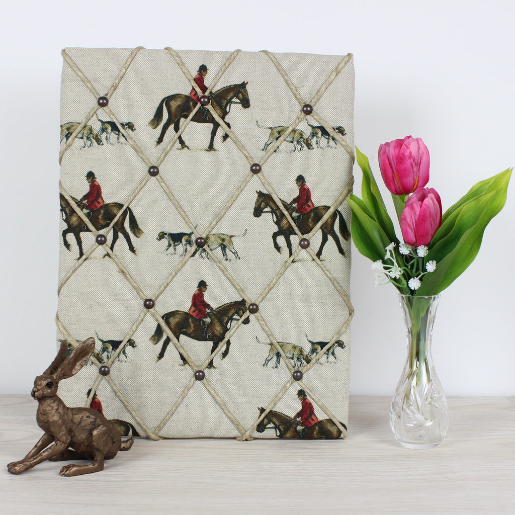 Master of Hounds Memo Board