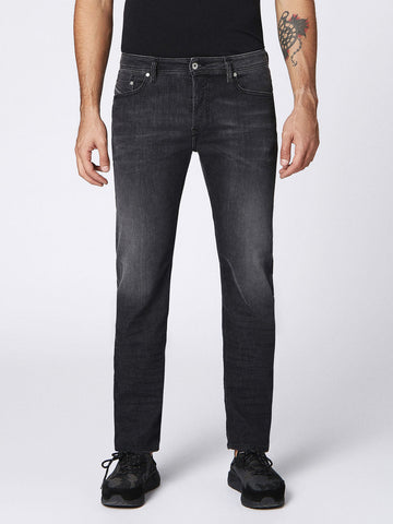 DIESEL Men's Denim Larkee-Beex Regular Tapered Stretch Jeans