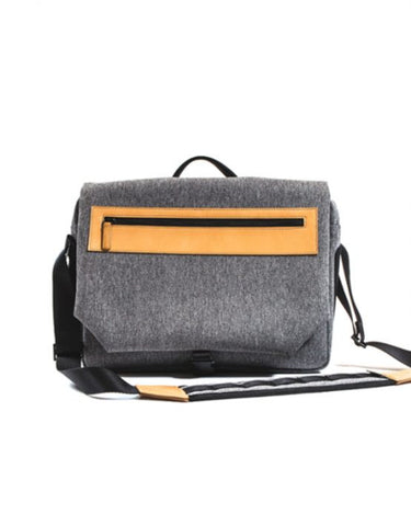 Venque unisex black cosmo side Shoulder  bag