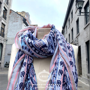 Foulard Pop Culture Pompon en Bordure Rose Bleu Denim Marine - Le Walk-in MGVM