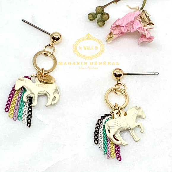 Boucles Ludique licorne et chaine aux couleurs de l'arc-en-ciel / unicorn rainbow earrings - Le Walk-in MGVM