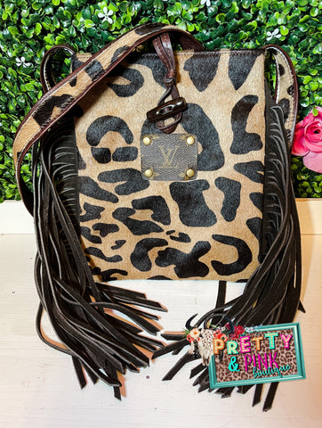 The Willy Leopard Purse
