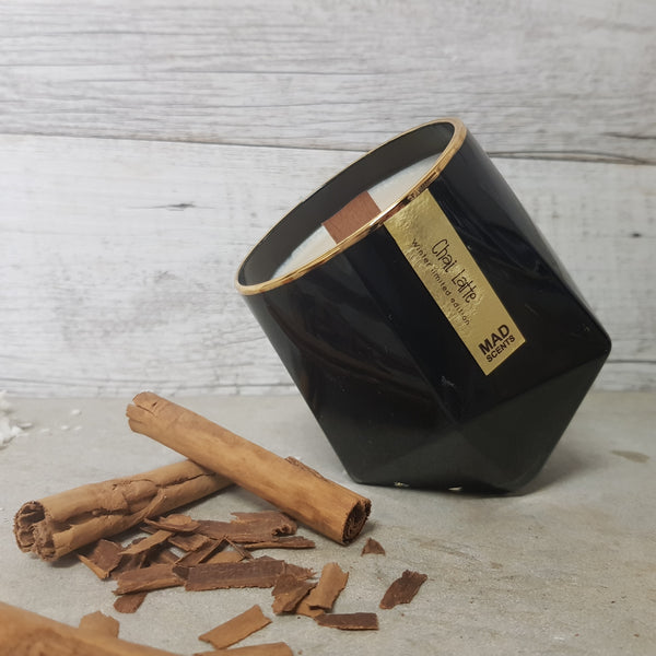 Chai Latte - Wood Wick Candle (Black)