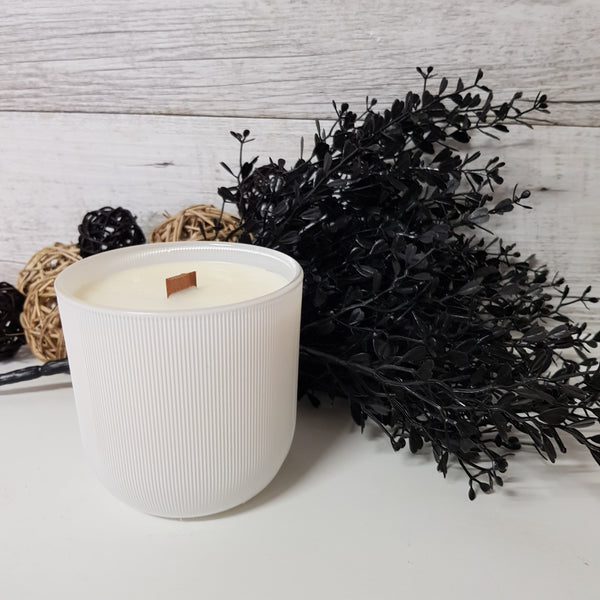 Sweet Pea & Vanilla - Wood Wick Candle