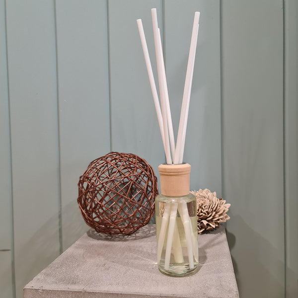 Pinecones & Pearls 100ml Reed Diffuser