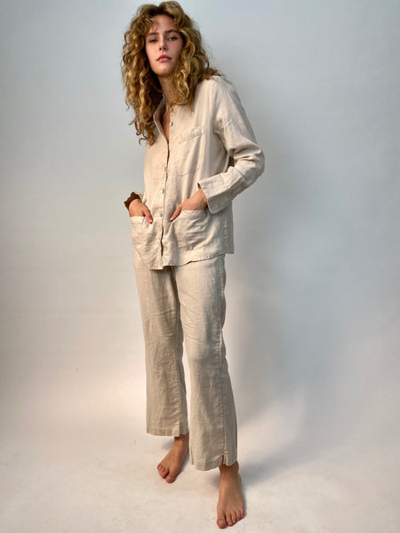 kaki linen workers shirt, vintage shell buttons  & 3 pockets. Drawstring pants with pockets  for a versatile  indoor outdoor look. wear to bed and to the market.
