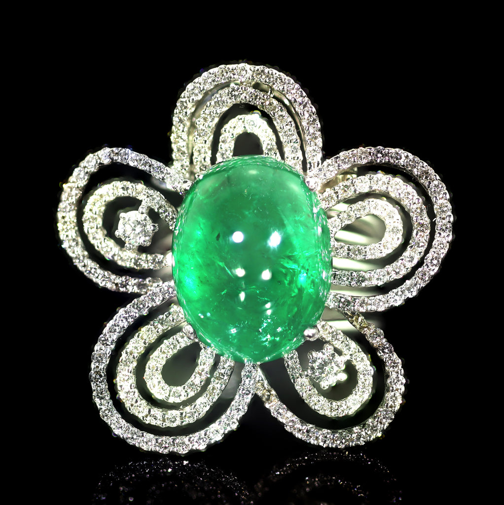 An Emerald and Diamond Flower Ring/Pendant
