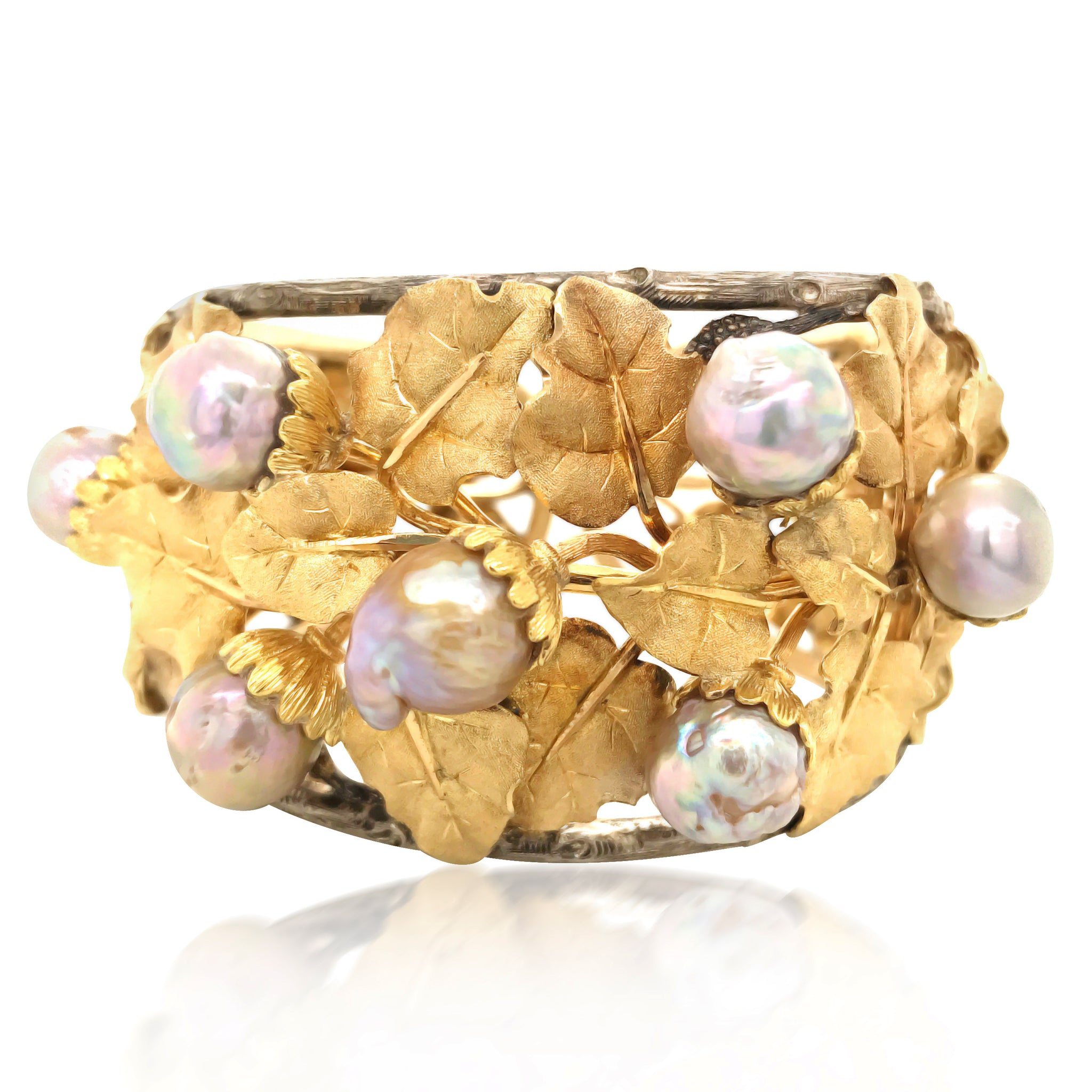 Buccellati, Baroque Pearl Leaf-motif Gold Bangle - Lueur Jewelry