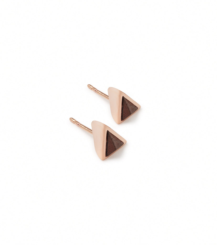 TORQUED STUD EARRINGS
