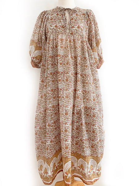 "Arkie Vintage Arkie Dress ""Latte"""