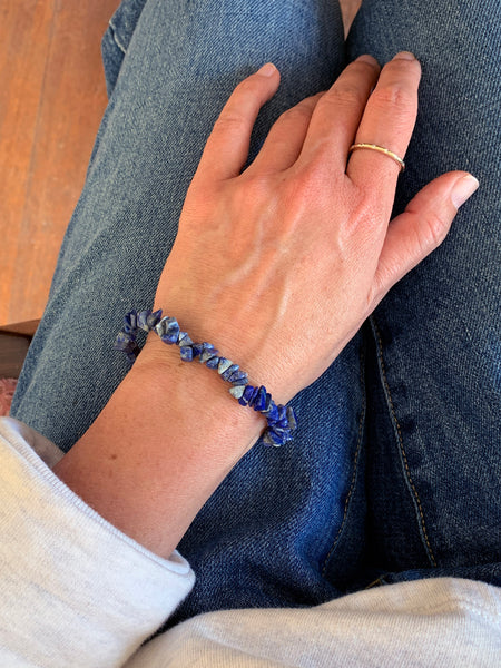 LAPIS Cleansing Crystal Chip Bracelet