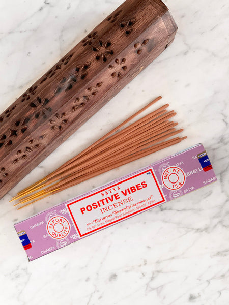 Satya Incense Sticks POSITIVE VIBES (12 sticks • 15g)
