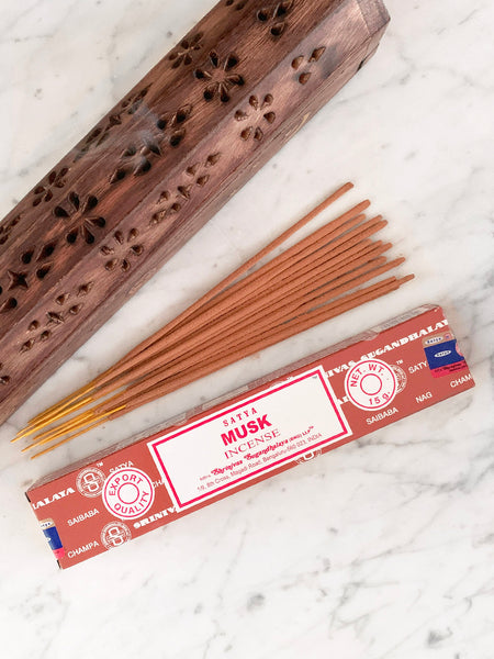 Satya Incense Sticks MUSK (12 sticks • 15g)