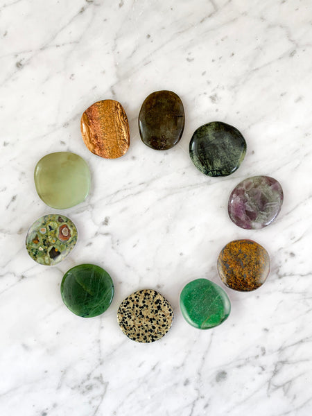 EARTH ANGEL Palm Stone Crystal Set (10 pieces)