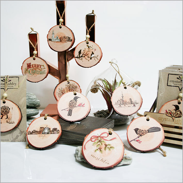 Wood Slice Ornament : Filigree Fantail - Kiwi Collections