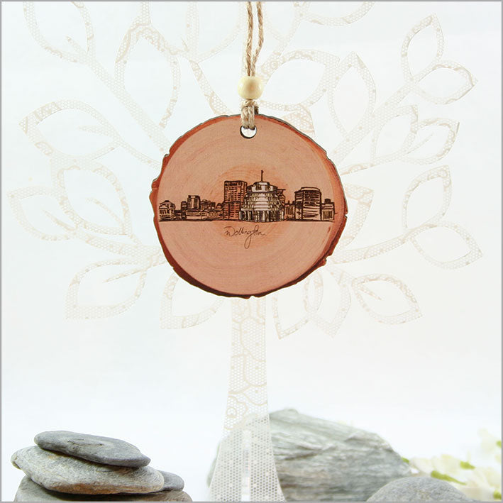 Wood Slice Ornament : Wellington - Kiwi Collections