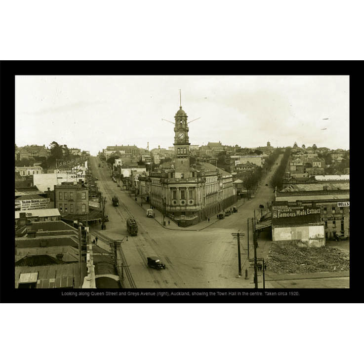 Unique/Thick postcard : Photograph Collection - 1920, Auckland Town Hall - Kiwi Collections