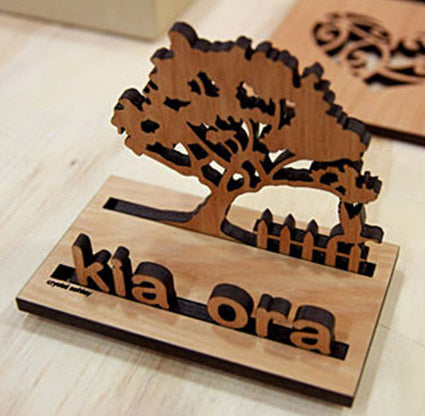 Card Holder : Rimu Kia Ora - Kiwi Collections