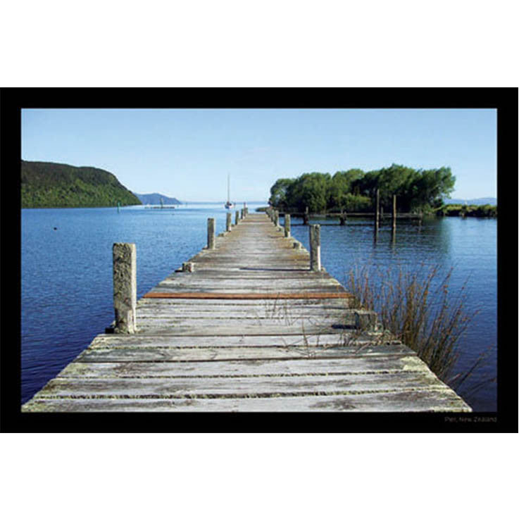 Unique/Thick postcard : Scenic - Pier, Lake Taupo - Kiwi Collections